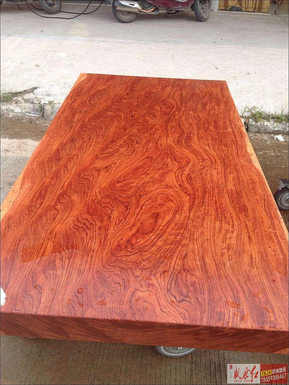 实木大板桌的简介